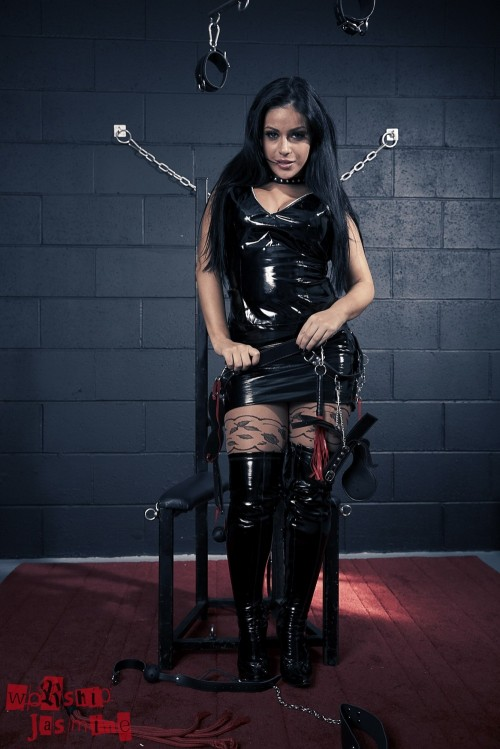 Jasmine Jones - Dungeon Torture - Picture 4