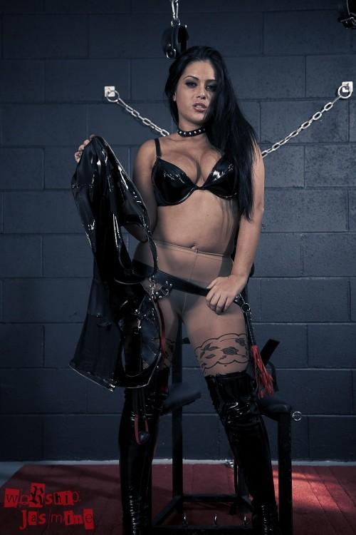 Jasmine Jones - Dungeon Torture - Picture 7