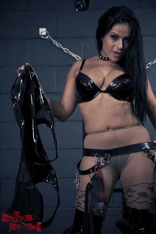 Jasmine Jones - Dungeon Torture - Picture 8