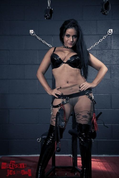 Jasmine Jones - Dungeon Torture - Picture 9