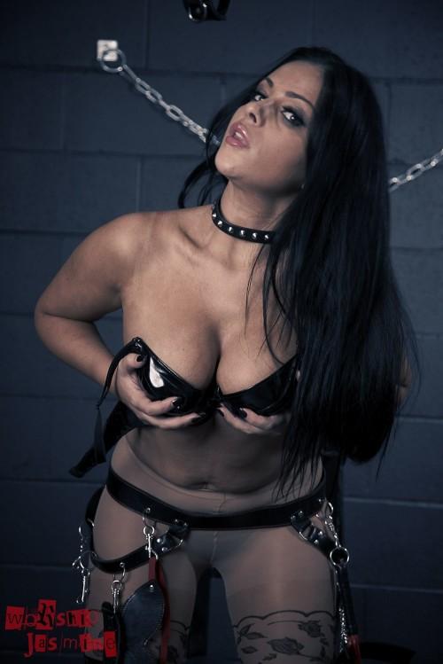 Jasmine Jones - Dungeon Torture - Picture 11