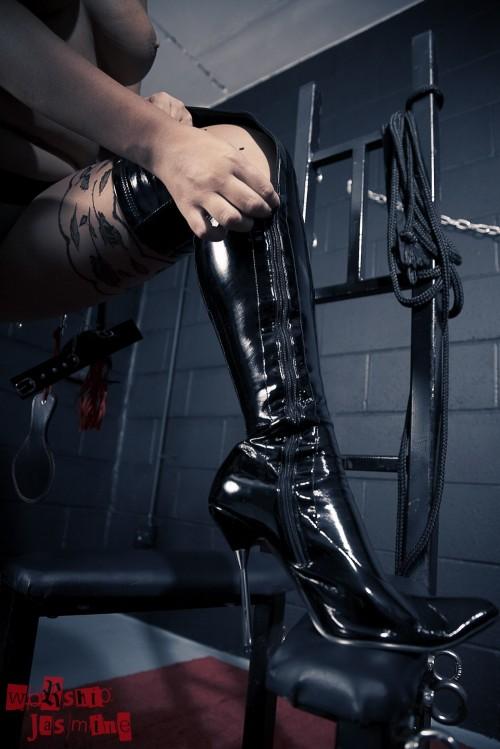 Jasmine Jones - Dungeon Torture - Picture 12